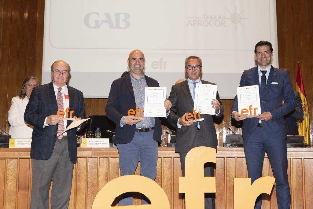 Ramón Corral recogiendo certificado efr