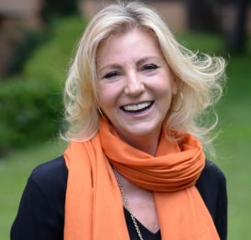 Directora de Relaciones Institucionales de la Fundación Aprocor